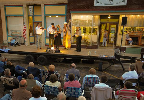 Cottonwood Falls Kansas street concert